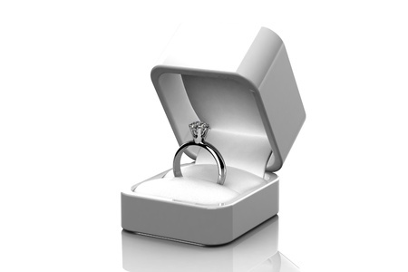 How To Buy Diamond Engagement Ring